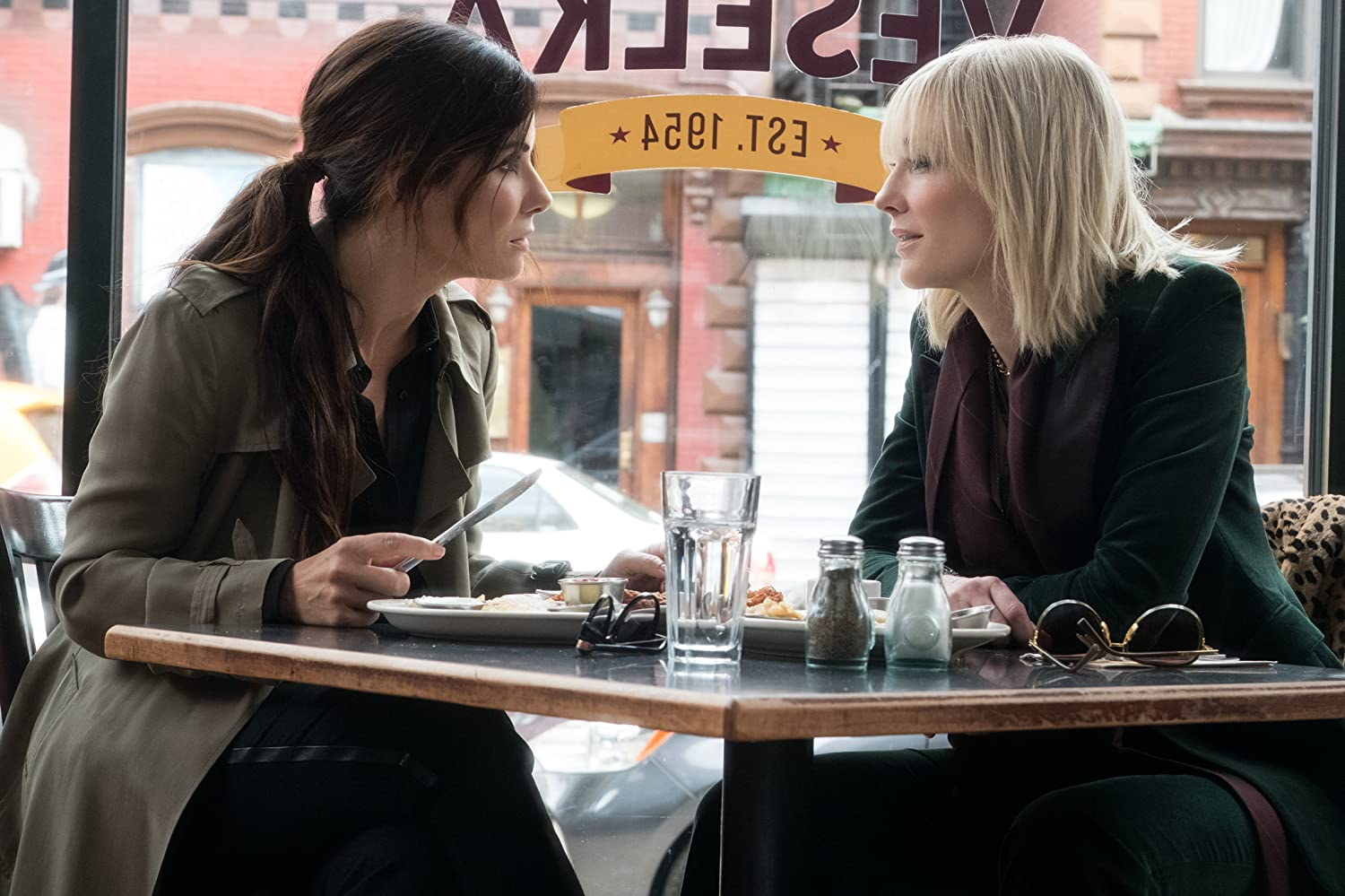 Sandra Bullock and Cate Blanchett in Ocean's 8 (2018)