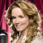 Lea Thompson in Celebrity Duets (2006)