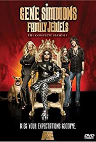 Shannon Tweed, Gene Simmons, Sophie Simmons, and Nick Simmons in Gene Simmons: Family Jewels (2006)