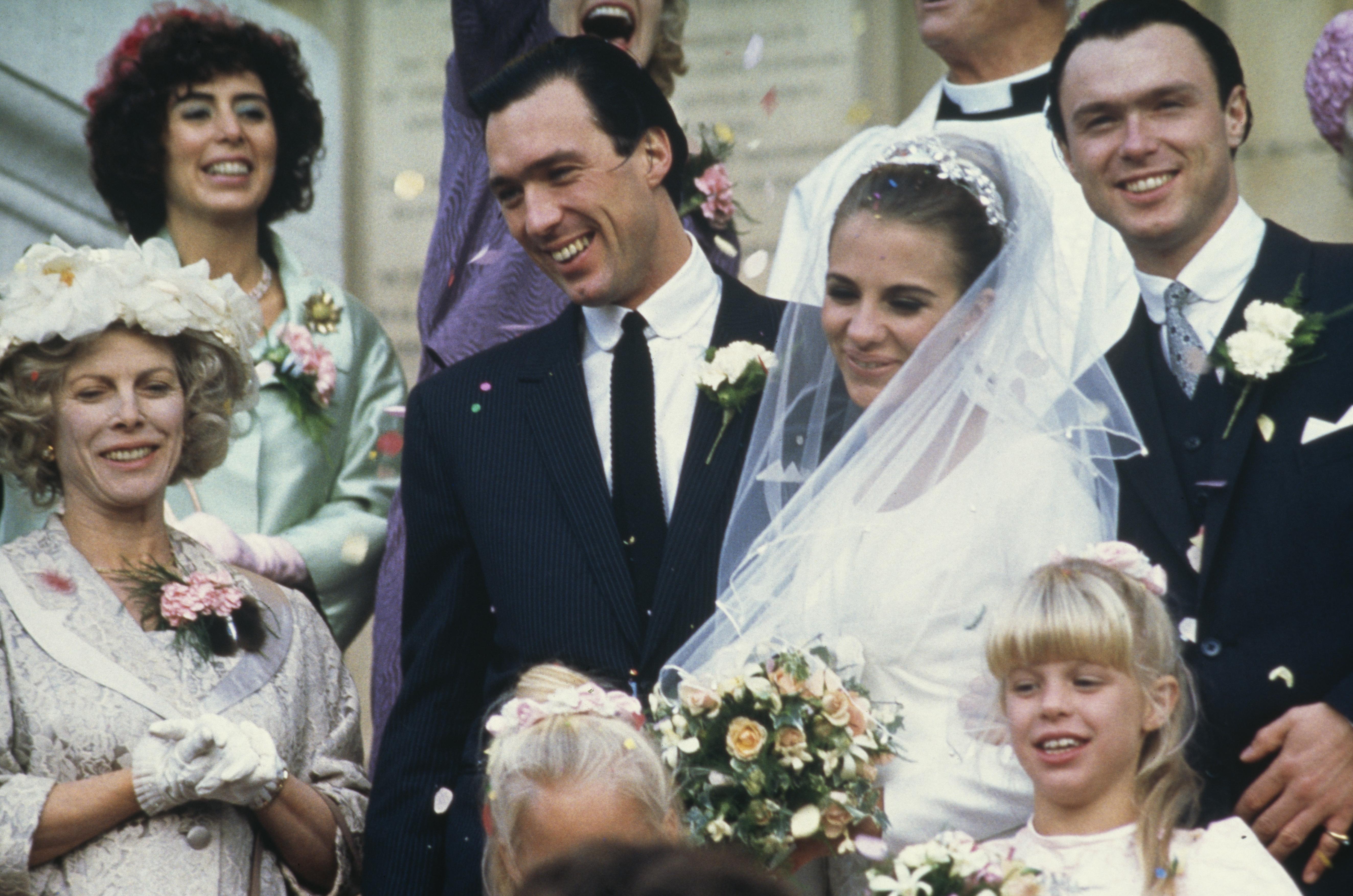 Kate Hardie, Gary Kemp, Martin Kemp, Patti Love, and Billie Whitelaw in The Krays (1990)