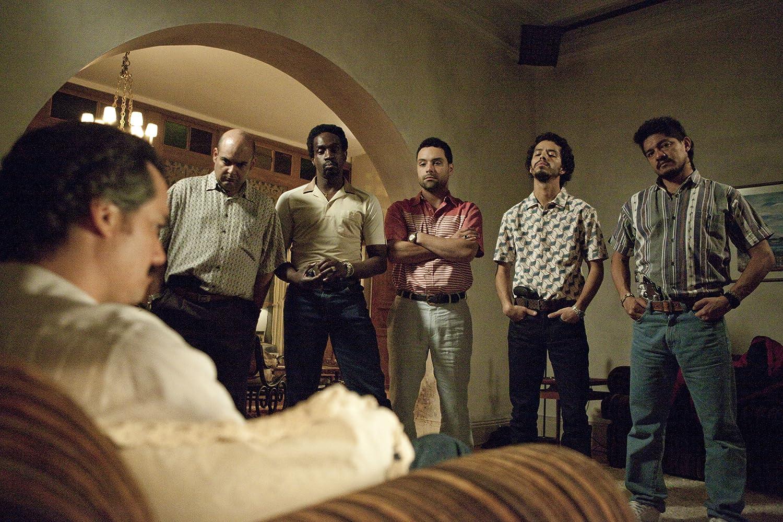 Wagner Moura, Julián Díaz, Diego Cataño, Andres Felipe Torres, Federico Rivera, and Leynar Gomez in Narcos (2015)