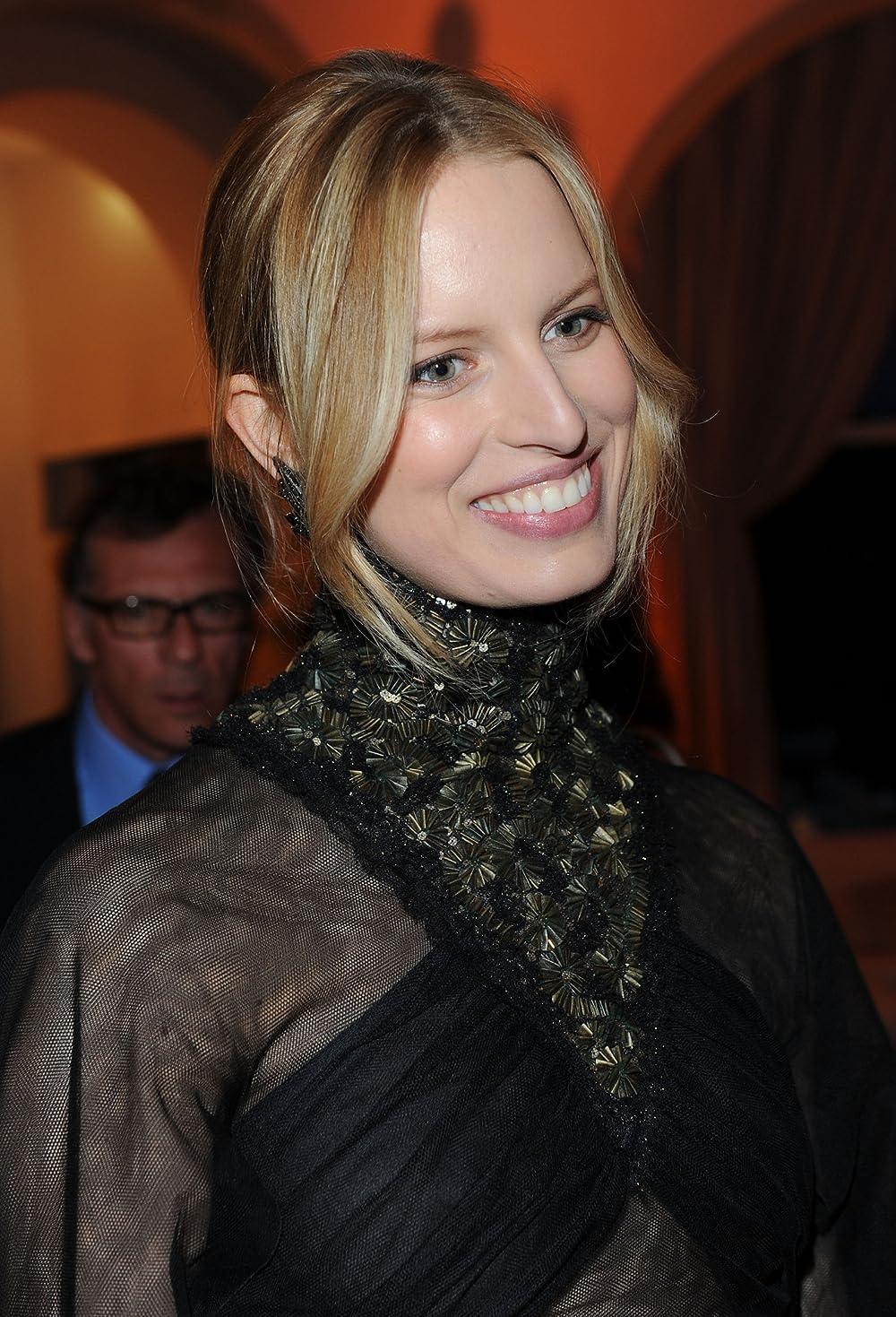 The Hottest Photos Of Of Karolina Kurkova - 12thBlog