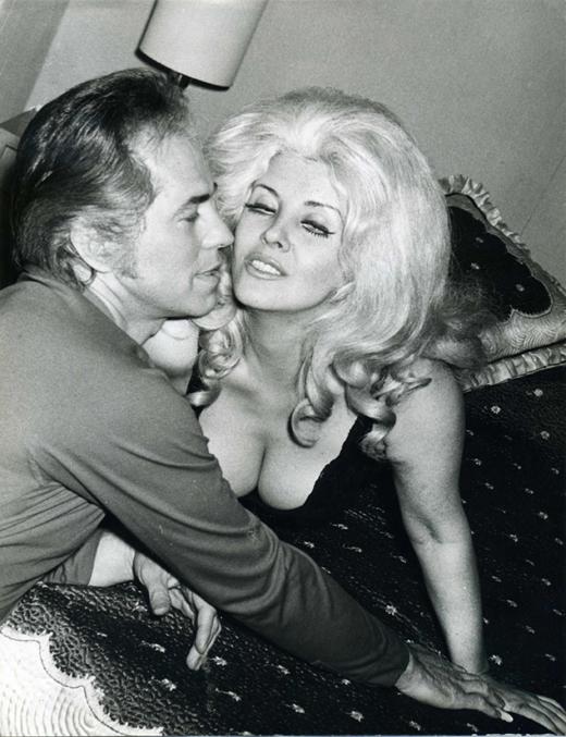 Jorge Barreiro and Libertad Leblanc in Alta comedia (1965)