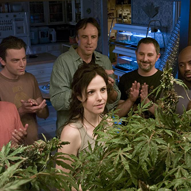 Mary-Louise Parker, Justin Kirk, Kevin Nealon, Romany Malco, Andy Milder, and Maulik Pancholy in Weeds (2005)