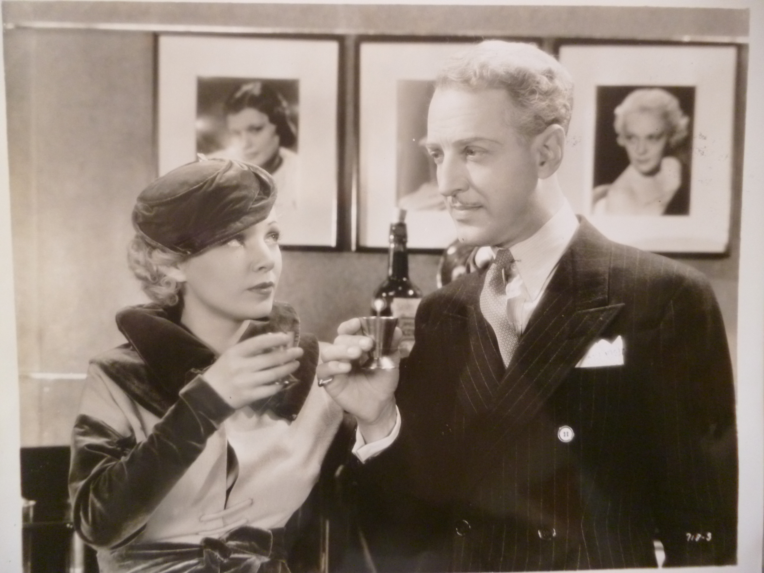 Isabel Jewell and Otto Kruger in The Women in His Life (1933)