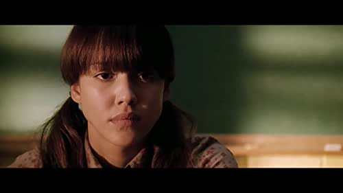 A shy and withdrawn young (Alba) finds a new lease on life when she starts to teach mathematics.