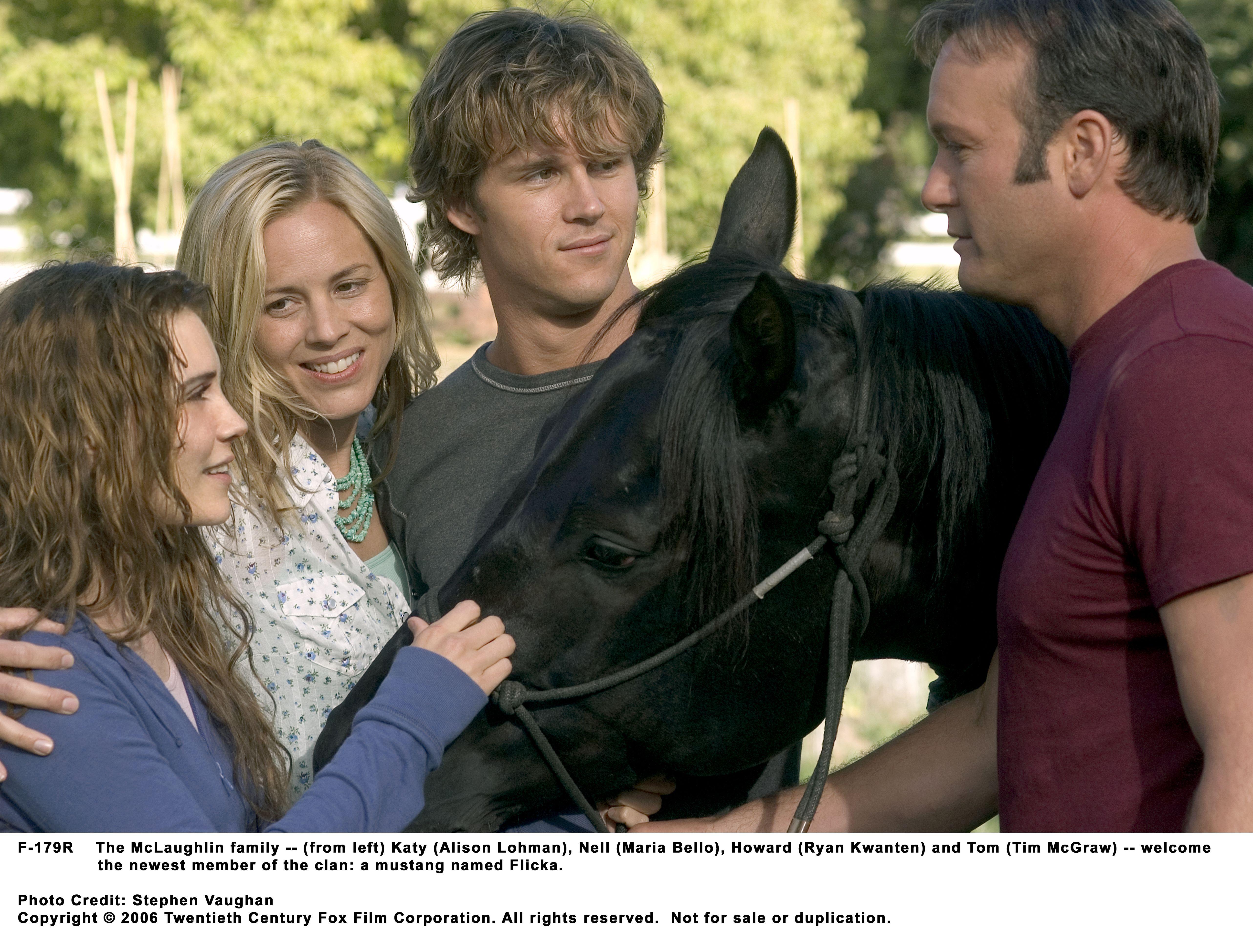 Maria Bello, Tim McGraw, Ryan Kwanten, and Alison Lohman in Flicka (2006)