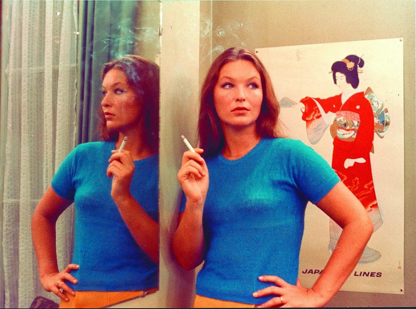 Marina Vlady in 2 ou 3 choses que je sais d'elle (1967)