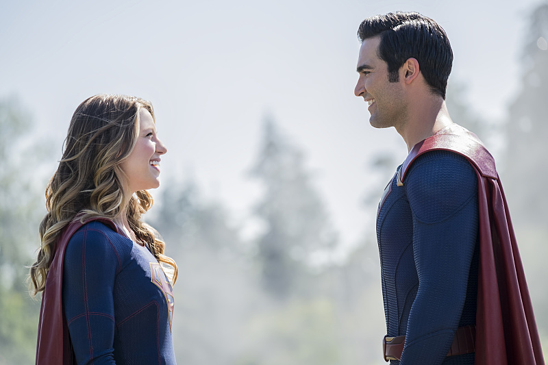 Tyler Hoechlin and Melissa Benoist in Supergirl (2015)