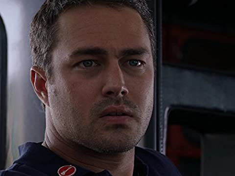Chicago Fire 3×02 – Wow me