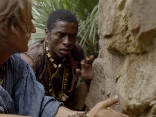 Philip Winchester and Tongayi Chirisa in Crusoe (2008)