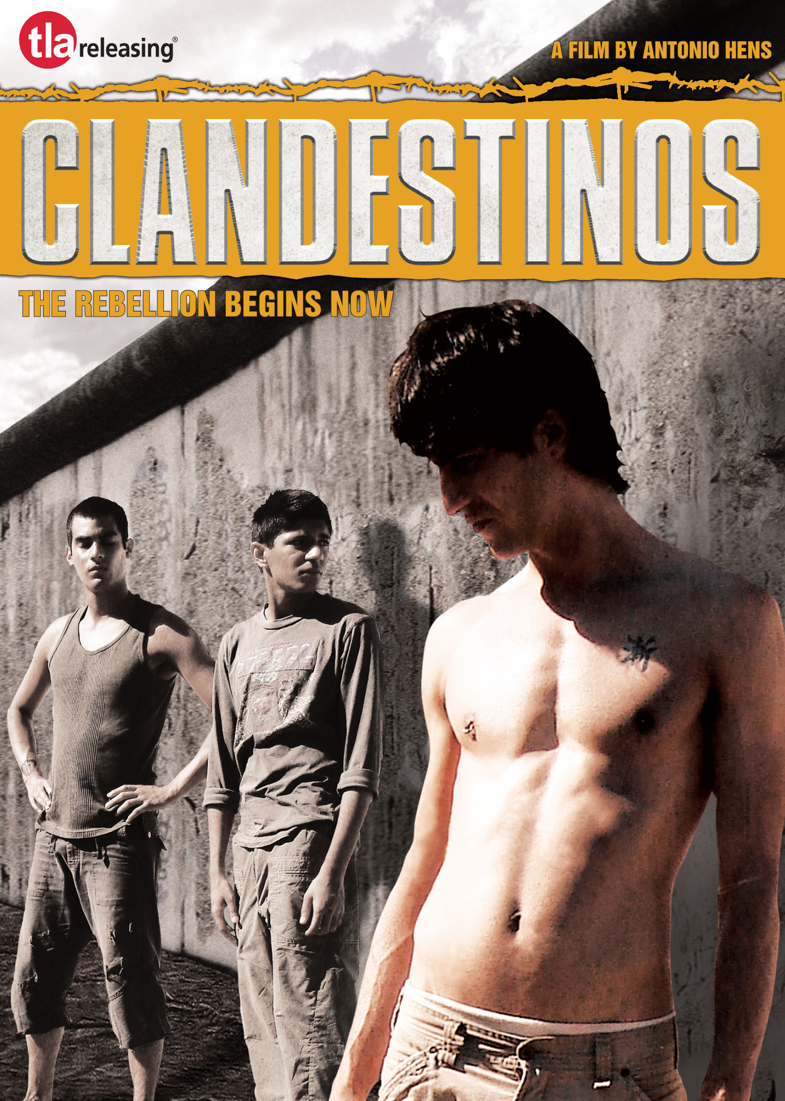 Israel Rodríguez, Hugo Catalán, and Mehroz Arif in Clandestinos (2007)