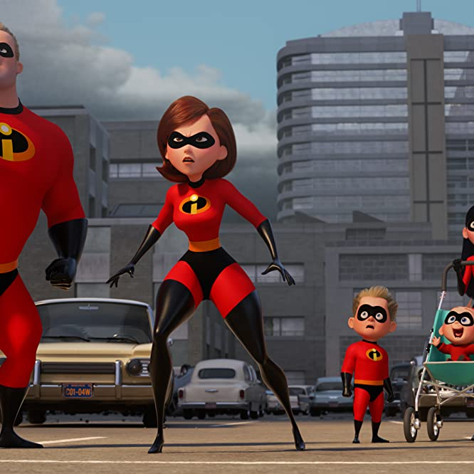Holly Hunter, Craig T. Nelson, Sarah Vowell, and Huck Milner in Incredibles 2 (2018)