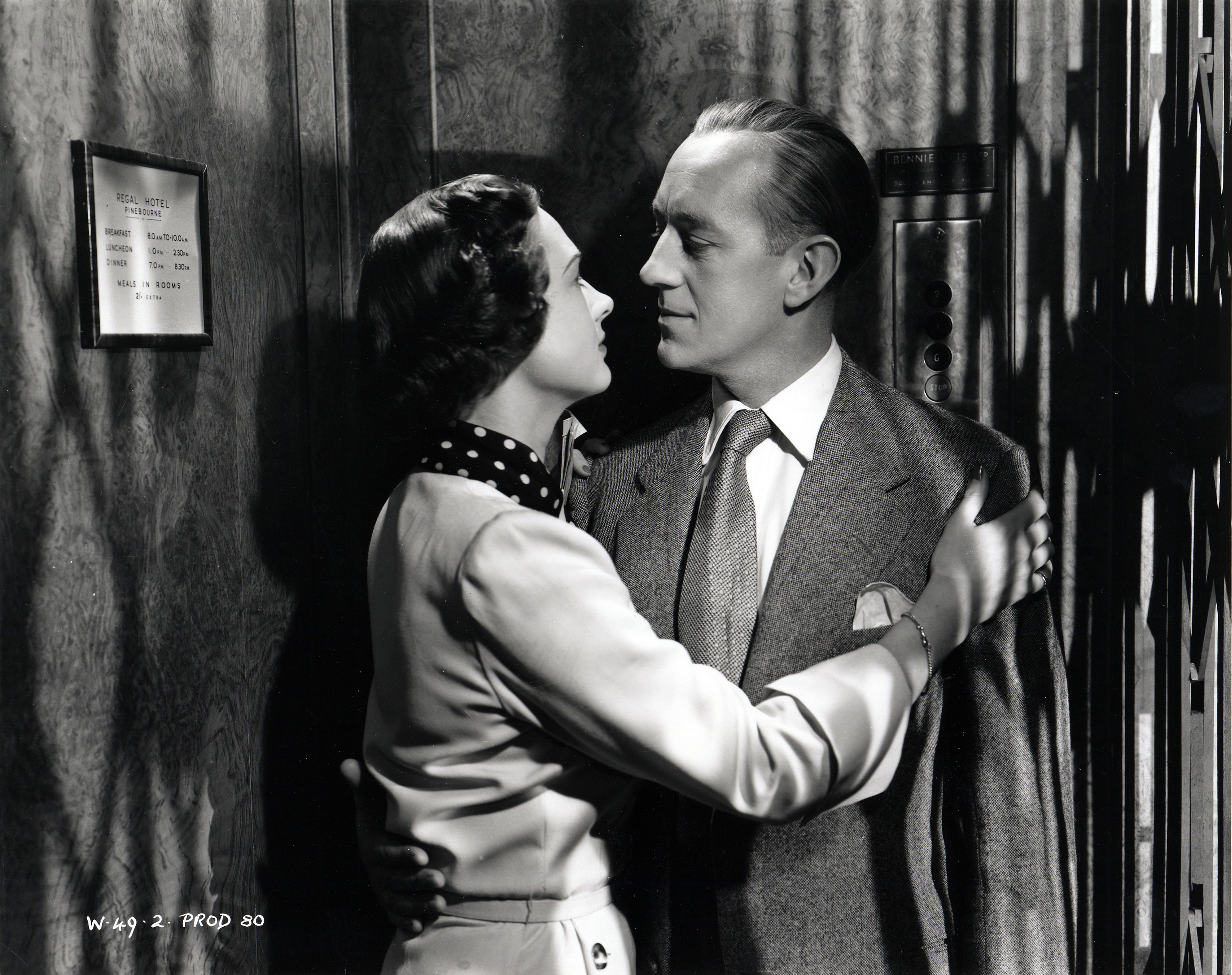 Alec Guinness and Beatrice Campbell in Last Holiday (1950)
