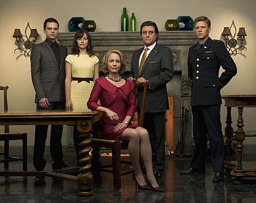 Christopher Egan, Ian McShane, Susanna Thompson, Sebastian Stan, and Allison Miller in Kings (2009)