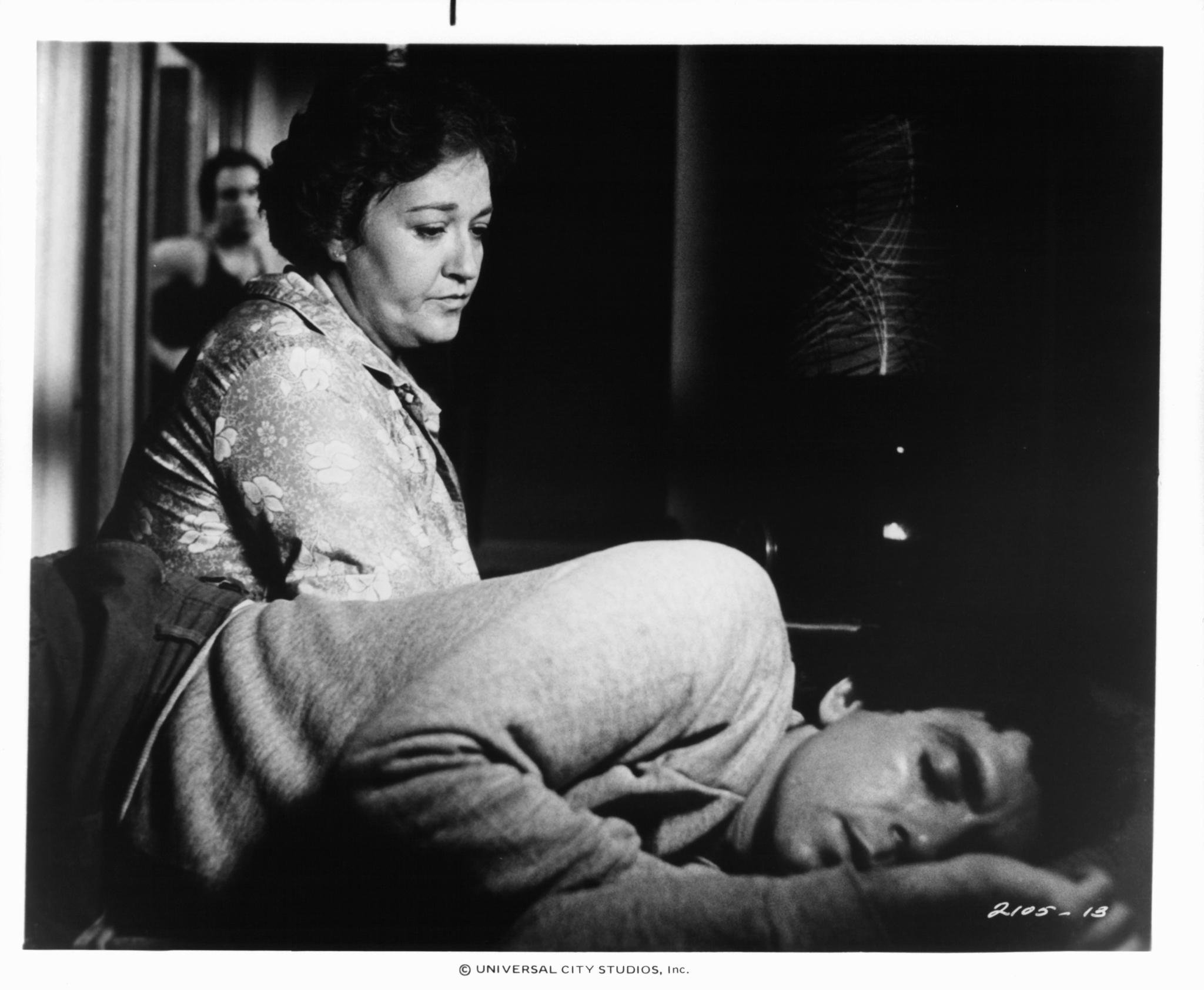 Morgana King and David Proval in Nunzio (1978)