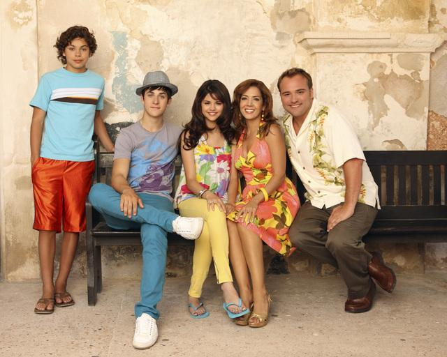 Maria Canals-Barrera, David DeLuise, David Henrie, Selena Gomez, and Jake T. Austin in Wizards of Waverly Place: The Movie (2009)