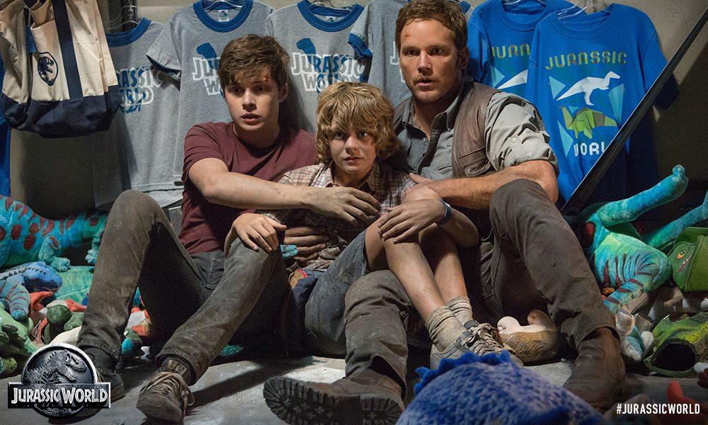 Jurassic World  Chris Pratt, Nick Robinson and Ty Simpkins