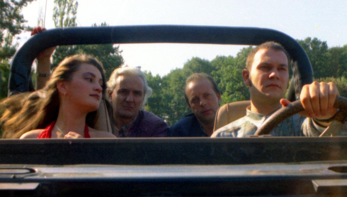 Dan Condurache, Rona Hartner, Marian Râlea, and Nicolas Masson in Semne in pustiu (1996)