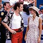 Jim Carrey and Courteney Cox in Ace Ventura: Pet Detective (1994)