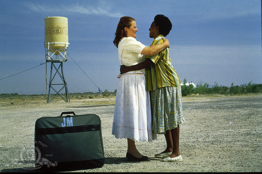 CCH Pounder and Marianne Sägebrecht in Out of Rosenheim (1987)