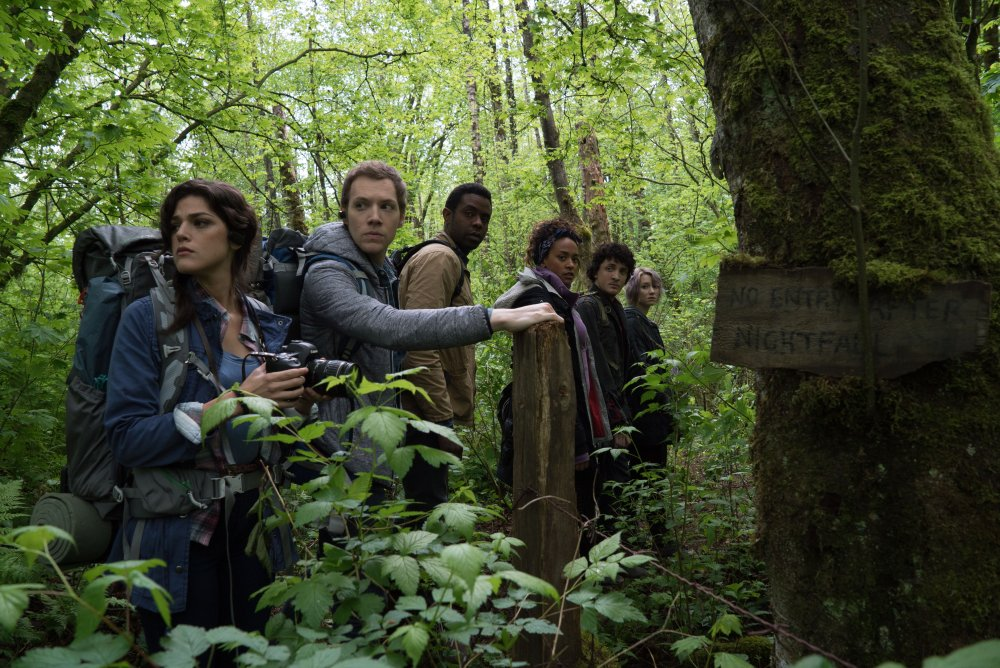 Wes Robinson, Brandon Scott, Valorie Curry, Corbin Reid, James Allen McCune, and Callie Hernandez in Blair Witch (2016)