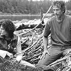 David Strathairn and Mary Elizabeth Mastrantonio in Limbo (1999)