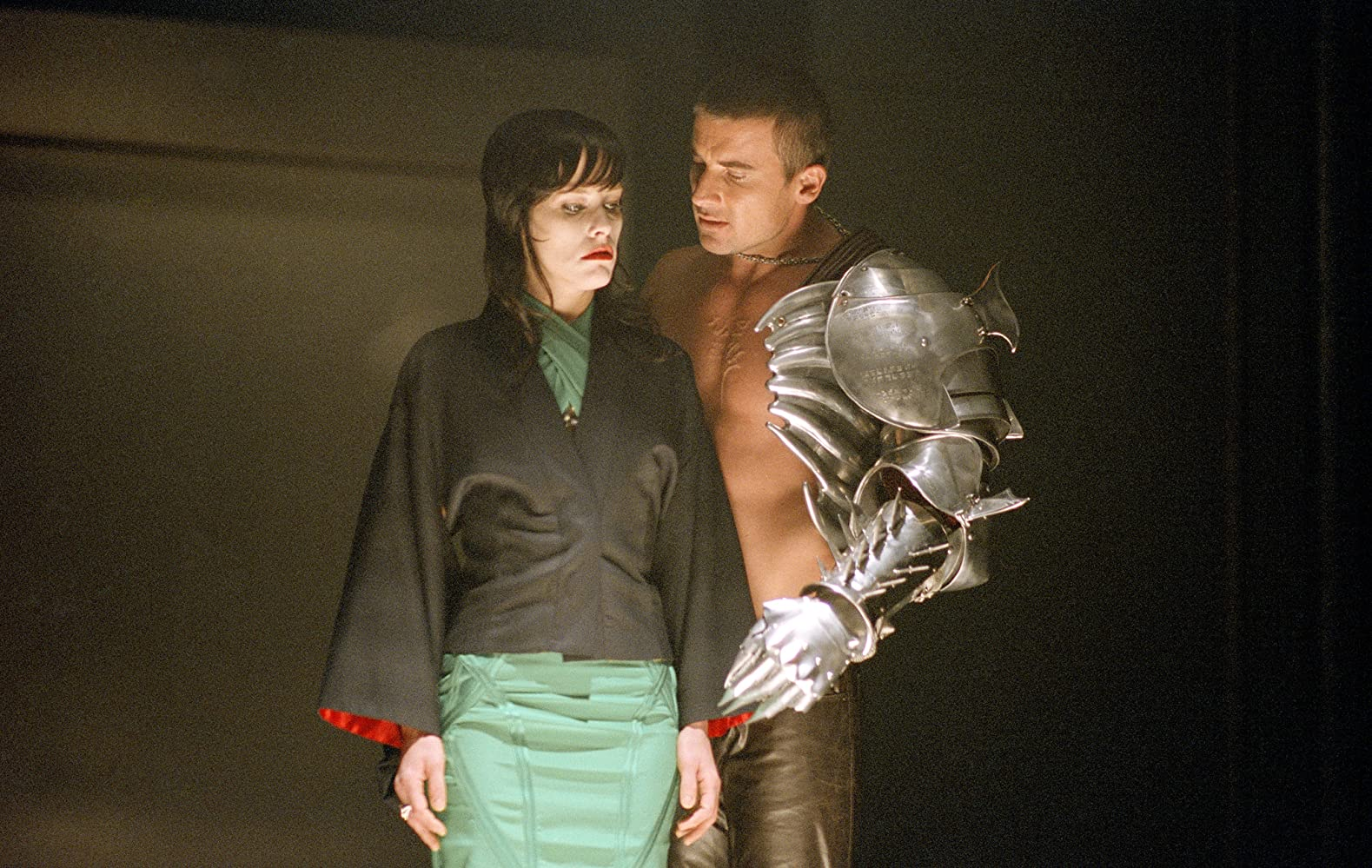 Parker Posey and Dominic Purcell in Blade: Trinity (2004)