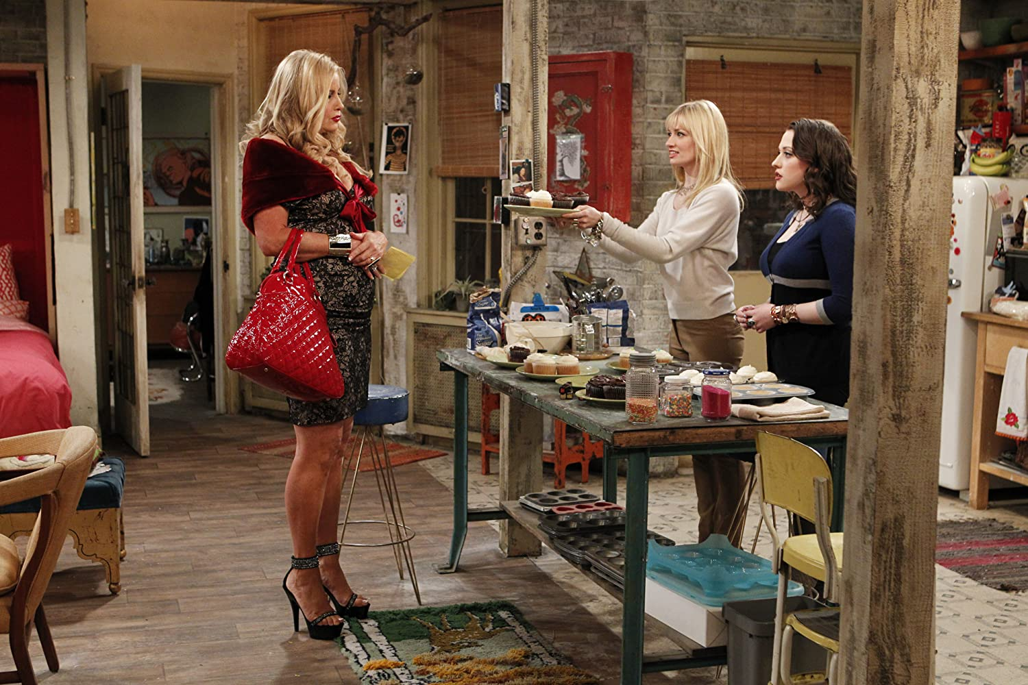 Jennifer Coolidge, Kat Dennings, and Beth Behrs in 2 Broke Girls (2011)