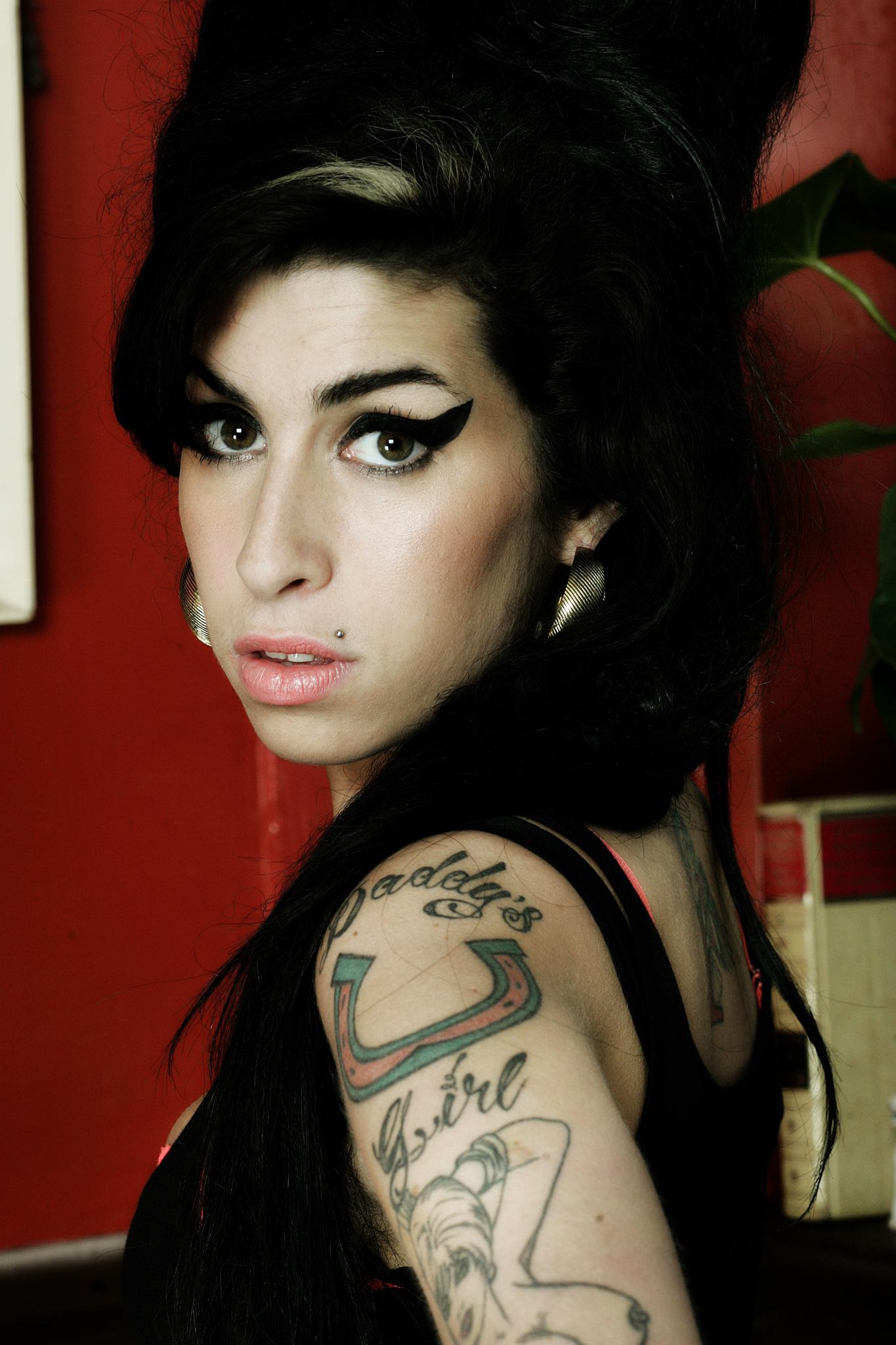 Amy Winehouse TB rumours images