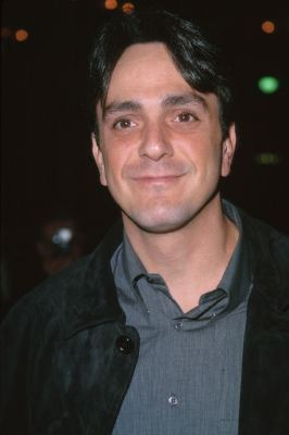 Hank Azaria at an event for The Whole Nine Yards (2000)