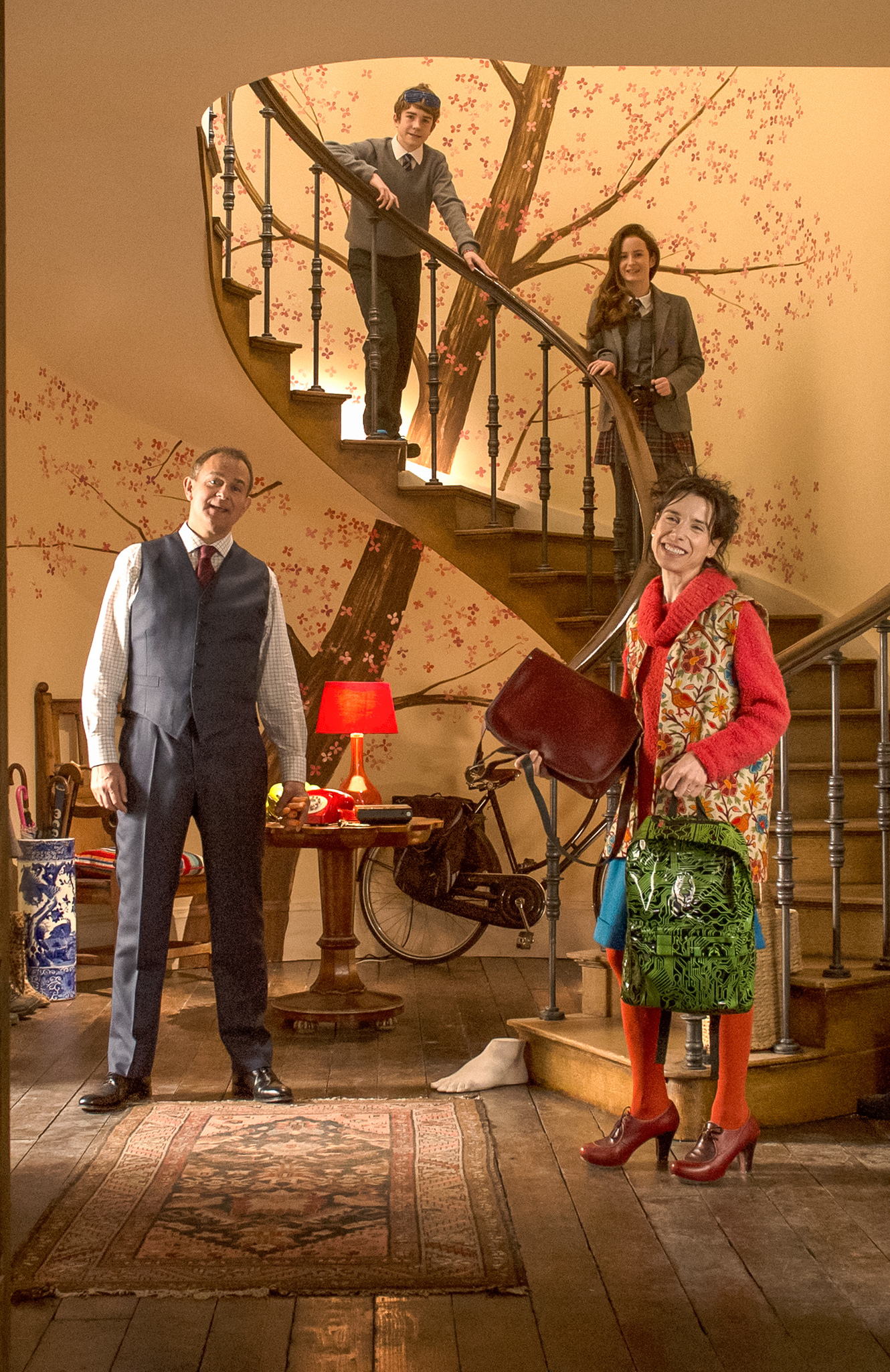 Hugh Bonneville, Sally Hawkins, Madeleine Harris, and Samuel Joslin in Paddington 2 (2017)