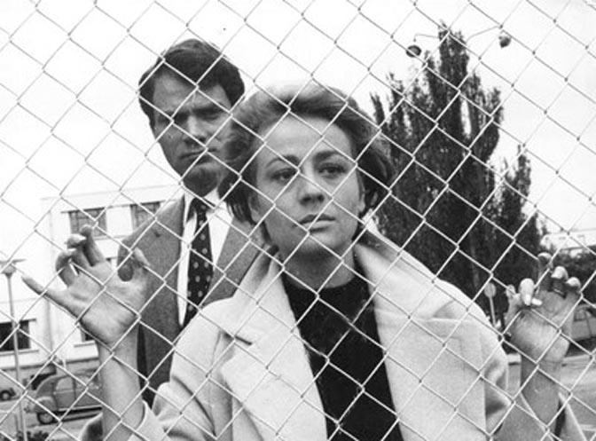 Annie Girardot and Christian Marquand in La proie pour l'ombre (1961)