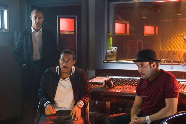 Jeremy Piven, Ludacris, and Mark Strong in RocknRolla (2008)