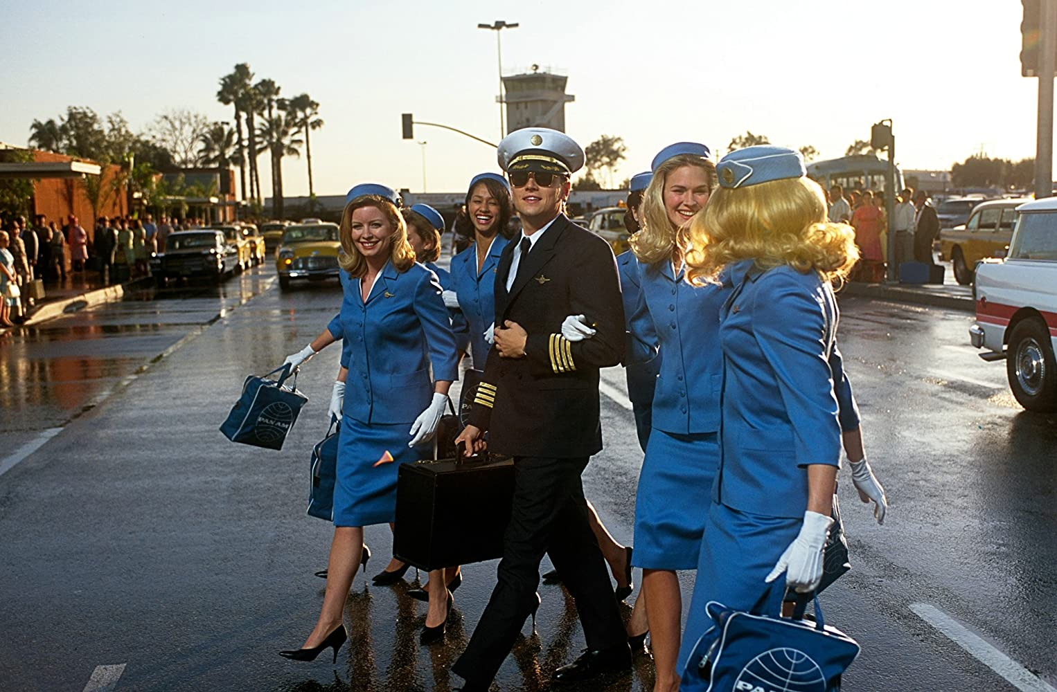 Leonardo DiCaprio, Karrie MacLaine, and Hilary Rose Zalman in Catch Me If You Can (2002)