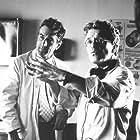 Robert De Niro and Jerry Zaks in Marvin's Room (1996)