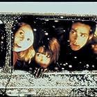 James Callis, Shirley Henderson, and Sally Phillips in Bridget Jones's Diary (2001)