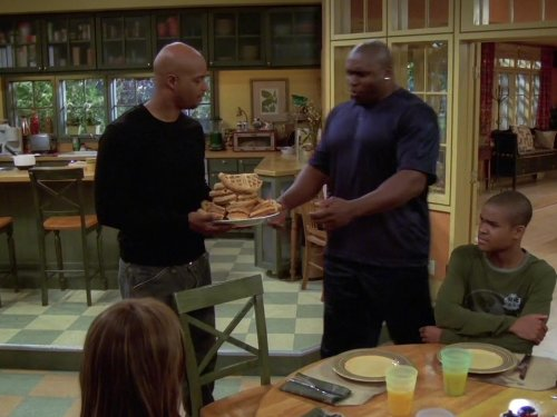 Damon Wayans, Tisha Campbell-Martin, George Gore II, and Lester Speight in My Wife and Kids (2001)
