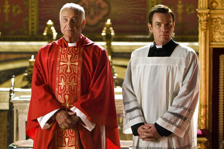 Armin Mueller-Stahl and Ewan McGregor in Angels & Demons (2009)