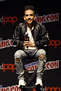 Ray Santiago Picture