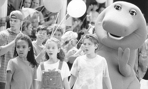 David Joyner, Trevor Morgan, Kyla Pratt, Diana Rice, and Barney the Dinosaur in Barney's Great Adventure (1998)