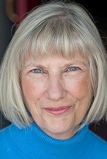 Linda Lodge Picture