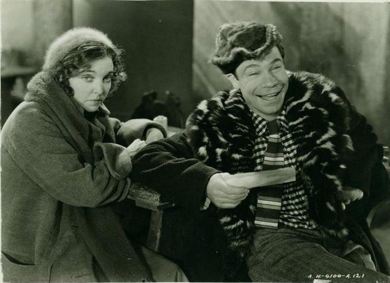 Joe E. Brown and Zasu Pitts in The Lottery Bride (1930)