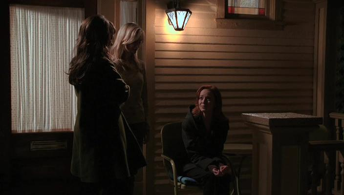 Jennifer Love Hewitt, Lindy Booth, and Bess Wohl in Ghost Whisperer (2005)
