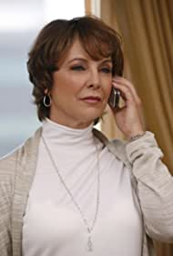 Kathleen Quinlan in Prison Break (2005)