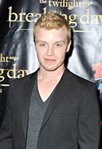 Primary photo for Noel Fisher