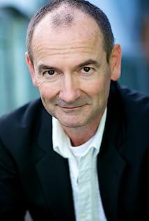 Lewis Fitz-Gerald Picture