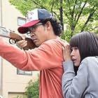 Yô Ôizumi and Kasumi Arimura in I Am a Hero (2015)