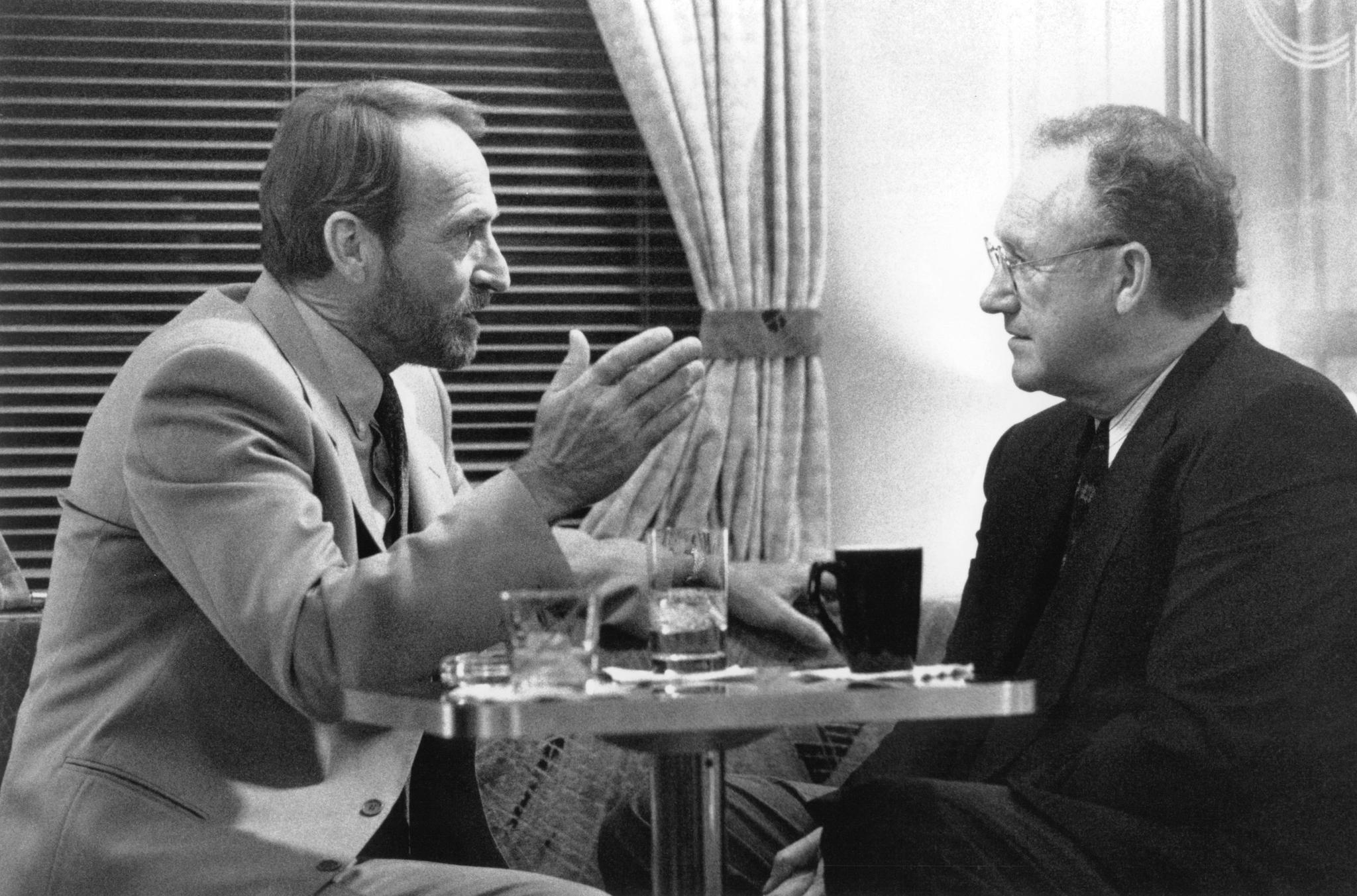 Gene Hackman and James Sikking in Narrow Margin (1990)