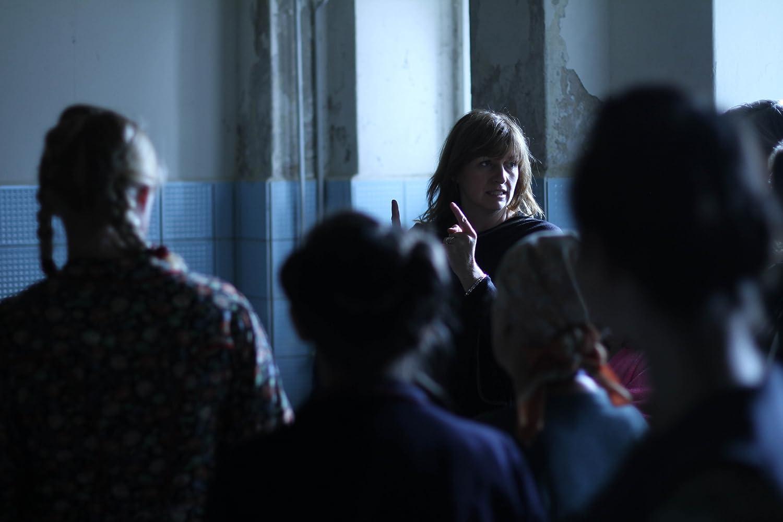 Cate Shortland saat menyutradarai film Lore (2012)